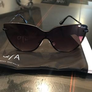 Quay Daydreamer Sunglasses Excellent Condition